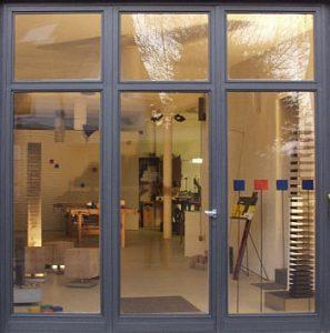 Alfred Arnold Bildhauer, Maler u. Objektgestalter  Kürrighovener Straße 24  D-53343 Wachtberg - Oberbachem E-Mail: arnold-objekte@t-online.de Telefon: 02 28 - 3 77 78 10